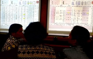 Shares rise sharply on easing trade tension