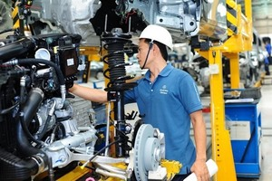 VN's PMI rises at near-record pace in November