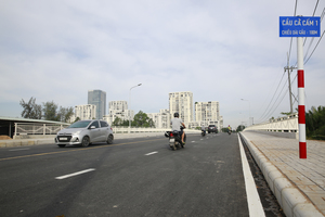 New bridge in HCM City's Phu My Hung area eases traffic congestion