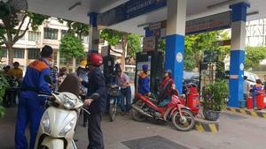 Petrol price drops again