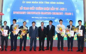 Binh Duong grants 19 investment certificates