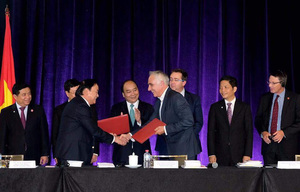 Viet Nam, Australia sign pact to develop macadamia
