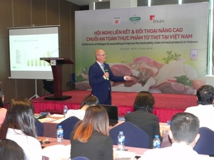 VN firms push food safety