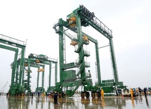 Doosan Vina ships 3 cranes to India
