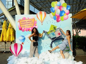 Co.opmart's giant gift boxes attract thousands in HCM City