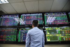 VN stocks decline, investors worried about market volatility