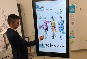 Samsung Vina unveils new flipchart