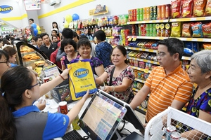 3rd Cheers convenience store opens in HCM City