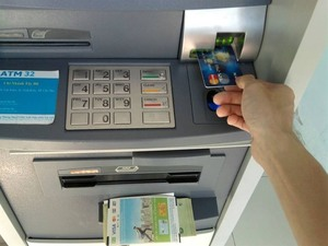 Money withdrawal fees at ATMs to quadruple