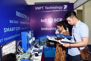 IT Techmart 2018 opens in Ha Noi