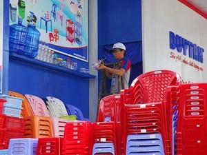 Foreign firms eye VN plastics