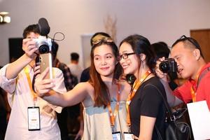 Xiaomi unveils 2 hot mobile phones