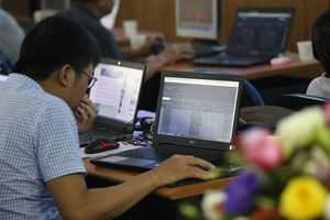 Shares plunge on strong selling pressure