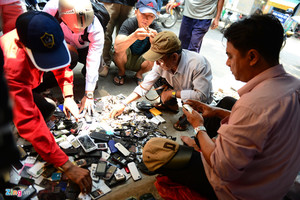 Old phones find match in HCMC