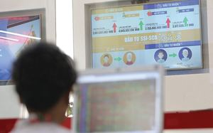 Vietnamese stocks fall slightly on cautious sentiment