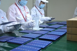 Made-in-Viet Nam solar power device to export to North Asia