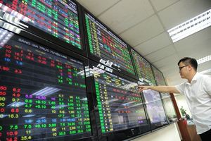 Shares mixed after three-session rally