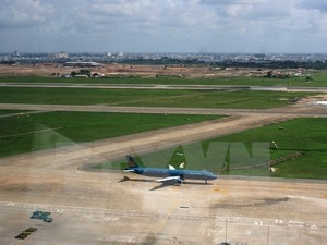 MoT proposes upgrading airport runways in Ha Noi, HCM City