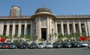 Central bank cuts 257 business conditions