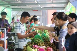 First 'Son La Longan and Safe Farm Produce Week' kicks off at Big C Ha Noi