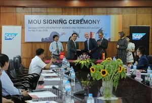 HUST fosters students' IT skills for Viet Nam Industry 4.0