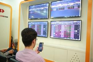 VN shares slump amid trade war fears
