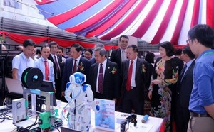 Forum boosts VN-Laos tech links