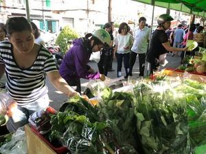 City opens 7th safe farm produce market