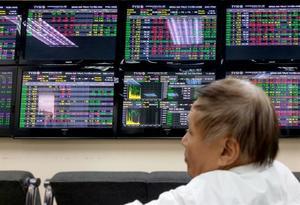 Investors cautious on both bourses