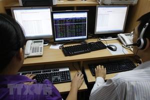 Viet Nam stocks progress on real estate