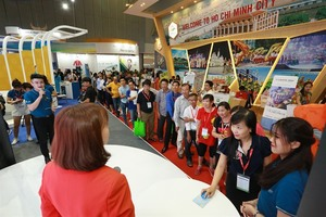 Vietnam Airlines offers preferential airfares at travel expo in HCM City