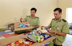 Ministries step up price control and market management for Tet holiday
