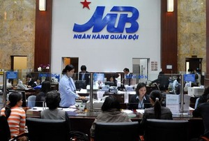 VN stocks step down from rally