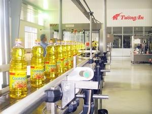 Cooking oil company Tuong An sees profit up, revenue down this year