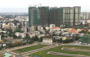 Gov't takes tighter control over large-size real estate projects