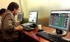 VN-Index fails to hit 1,000 points as selling increases