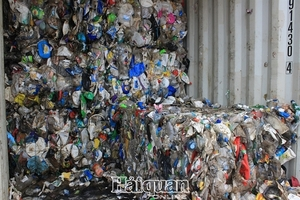 VN tackles waste container problem