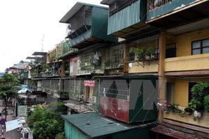 Ha Noi to rebuild 30 old apartment buildings
