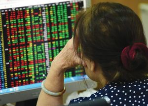 VN stocks recover, market confidence remains poor