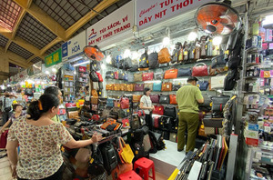 HCM City looks for solutions in fight against counterfeit goods, smuggling