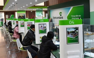 Vietcombank,FPT shares hit new highs