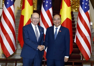 PM Phuc receives US Secretary of Commerce