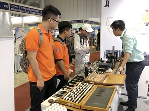 International machinery, supporting industry fairs open in HCM City