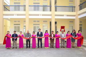 Hanwha Life Vietnam funds Pediatric - Obstetric Clinic in Dak Lak