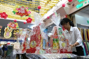 Tet gift hampers popular item at year-end