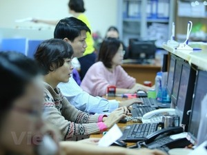 VN Index returns from Tết, aims at 990 points
