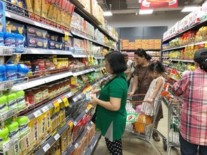 Ample goods, steady prices mark Tet in HCM City