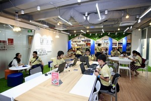 Students get 'blended learning'
