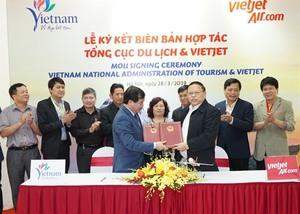 Vietjet, VNAT seal co-operation deal