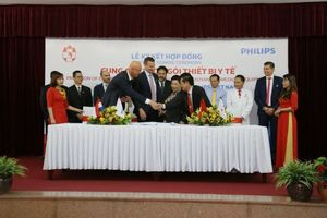 Philips provides smart hospital solutions to Hong Duc hospital